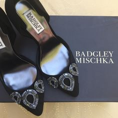 """Badgley Mischka Satin Jewels Black Shoes Size 6 These amazing evening pumps by designers Badgley & Mischka will make you feel like walking the runaway! They feature satin and chiffon upper adorned with a stunning teardrop ornament, pointed toe, leather sole, and a comfortable 3.5"""" heel. An absolute beauty! Worn once.  Paypal Trade Lowballing Drama Badgley Mischka Shoes"""