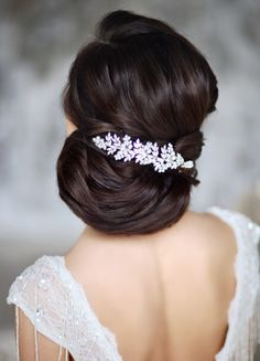 Effortlessly Chic Wedding Hairstyle Inspiration - MODwedding
