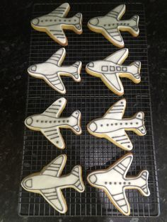 Aeroplane Biscuits by Dinky Dots