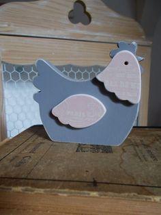 Poule en bois décoré - Poulette décorée en bois - Petite poule en bois