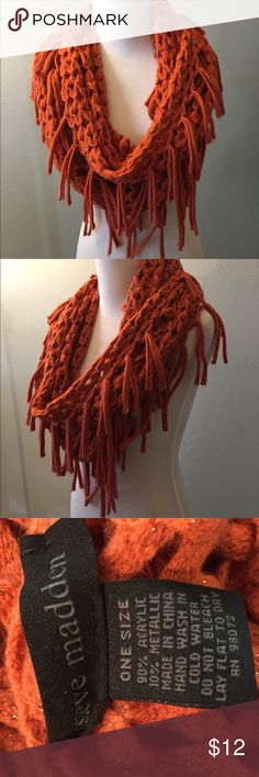 Steve Madden scarf Pretty burnt orange color loose knit scarf by Steve Madden Steve Madden Accessories Scarves & Wraps