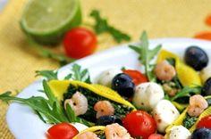Rucola salad with stuffed shells // Sałatka z rukoli z nadziewanymi muszlami