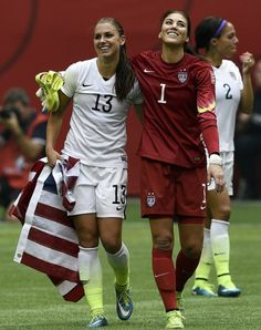 Omg it's both of the sosters' fav soccer players! Alex Morgan and Hope Solo<<hope solo. first woman to be accused of assault. Female Football Player, Good Soccer Players, Girls Soccer, Play Soccer, Nike Soccer, Soccer Cleats, New Girl, Premier League, Alex Morgan Soccer