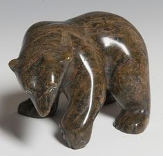 Inuit Bear I Asunaa Kilabuk Inuit Kunst, Arte Inuit, Inuit Art, Native Art, Native American Art, Stone Sculpture, Sculpture Art, Paper Mache Animals, Clay Animals