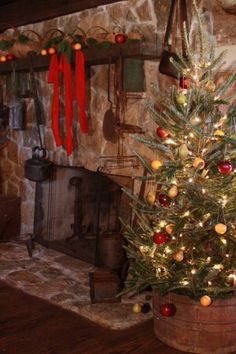 I want to put my Christmas tree in a barrel! Lovee this!