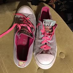 Converse In excellent used condition Converse Shoes Sneakers
