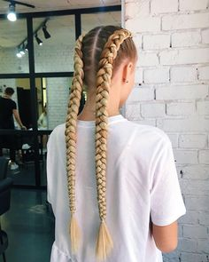 Pin by Curt Schirmer on Long Hair Volleyball Hairstyles, Sporty Hairstyles, Baddie Hairstyles, Braided Hairstyles Tutorials, Weave Hairstyles, Pretty Hairstyles, Hair Dye Tips, Braids With Extensions, Voluminous Hair