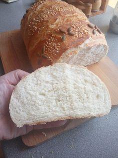 Kézzel dagasztott 1 kg-os házi fehér kenyerem! Nem csak kinézetre, de ízre is csodás! - Ketkes.com Cake Recipes, Bakery, Sweets, Cookies, Breads, Mascarpone, Fimo, Brot, Recipies