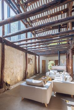 The Rustic and the Modern Coexist in Perfect Harmony in this Wonderful Remodeling Located in China