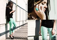 well what can be said, the look is amazing. and the green jeans are to die for.