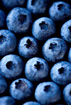 Lecker, köstlich, himmlich und farbenfroh in Blau.