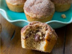 Nutella Stuffed Cinnamon Sugar Muffins by Sally's Baking Addiction Brunch Recipes, Sweet Recipes, Dessert Recipes, Yummy Treats, Delicious Desserts, Sweet Treats, Cinnamon Sugar Muffins, Crumb Coffee Cakes, Nutella Cake