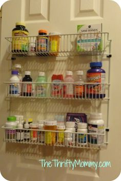 Organizing medicines on a door from The Thrifty Mommy. http://www.thethriftymommy.com/2013/08/05/organizing-dilemma-solved-medications/ #organization Home Organization, Home Organisation, Organizing Tips
