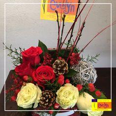 Queremos consentirte con nuestros bellos detalles decorativos para esta maravillosa época. #Navidad #FloristeriaEvelyn   Solicita ya tu pedido a domicilio al 2263-2384 / 2264-2658