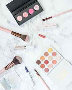 //NEW BLOG POST\\ All about my lastest @colourpopcosmetics haul - link in bio! If you missed my Colourpop #giveaway - details in my last post! . . . . #makeuplover #makeupporn #instamakeup #beauty #makeup #instagram #instadaily #colourpopcosmetics #colourpopgiveaway #marble #flatlay #rosegold #yesplease #colourpopme #makeupmafia #makeupflatlay #lipstick #concealer #mua #love #cute #highlighter #eyeshadow #eyeshadowpalette #yespleasepalette