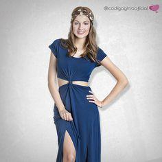 Uma opção super meiga de vestido com tendência cut out. Veja mais em nosso blog: goo.gl/YkbF2H  www.codigogirls.com.br @codigogirlsoficial