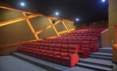 As one of the most professional theater reclining seats manufacturers and suppliers in China, we bring here high quality theater seating with good price. Welcome to buy theater reclining seats for sale here from our factory. Cinema Chairs, Cinema Seats, Auditorium Seating, Home Theater Seating, Cinema Movies, Power Recliners, Foot Rest, Lentils, Home Theatre Seating