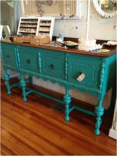 I would love so,etching like this for our entry way. Refurbished Furniture, Upcycled Furniture, Furniture Makeover, Painted Furniture, Diy Furniture, Painted Sideboard, Furniture Refinishing, Annie Sloan Florence, Turquoise Furniture
