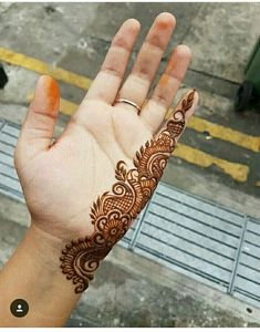 121 Simple mehndi designs for hands - Henna - Hand Henna Designs Easy Mehndi Designs, Henna Hand Designs, Latest Mehndi Designs, Dulhan Mehndi Designs, Mehandi Designs, Bridal Mehndi Designs, Mehndi Designs Finger, Mehndi Designs For Beginners, Mehndi Designs For Fingers