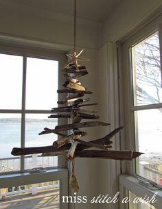driftwood christmas | Driftwood hanging Christmas tree | christmas