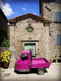 The Pink Apecar - Pescia, Pistoia, Italy