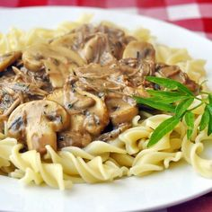 Easy Leftover Turkey Stroganoff If I have to eat leftovers, then at least…