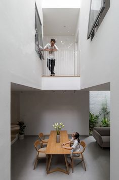 Image 9 of 31 from gallery of Thuy Khue House / HGAA. Photograph by Hoang Le Photography Home Interior Design, Interior Architecture, Compact House, Narrow House, Architect House, Small House Design, Minimalist Home, Small Spaces, House Plans