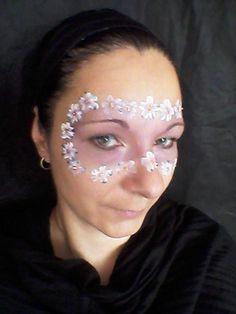 květinová maska