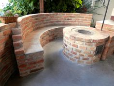 Simple Outdoor Kitchen, Outdoor Oven, Outdoor Fireplace Designs, Fire Pit Seating, Oahu, Kitchen Decor, Brick, Outdoor Decor, Home Decor