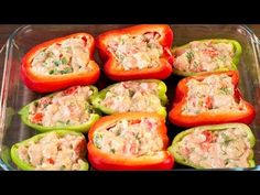 Pimientos rellenos al horno − ¡Un plato increíblemente sabroso! Good Food, Yummy Food, Baked Vegetables, Cooking Recipes, Healthy Recipes, Food Tasting, Chicken Salad Recipes, Food Videos, Food To Make