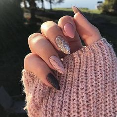 9 Trendy Fall Nails Art Designs Ideas To Look Autumnal and Charming – autumn nail art ideas , fall nail art, short nail art designs, autumn nail color… - New Pin Dark Nails, Matte Nails, Fake Gel Nails, Cute Acrylic Nails, Fun Nails, Acrylic Nails For Fall, Acrylic Art, Almond Nail Art, Black Almond Nails