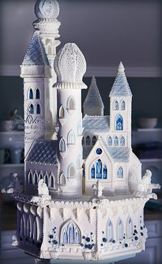 Romantic Castle Royal icing Cake Templates and materials were prepared by hand. I used only simple ingredients: gelatine, glicerine,. Castle Wedding Cake, Big Wedding Cakes, Creative Wedding Cakes, Creative Cakes, Castle Cakes, Gingerbread Castle, Christmas Gingerbread House, Beautiful Cakes, Amazing Cakes
