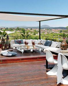 Terraza ático sofás palets : via MIBLOG