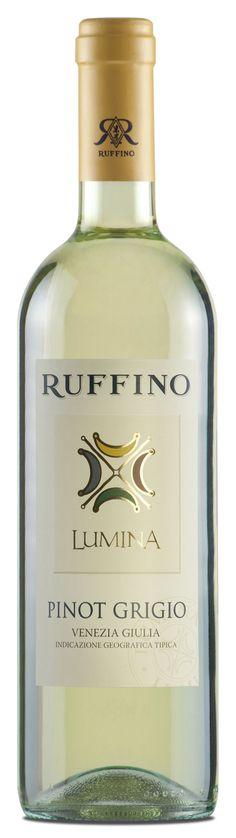 Ruffino Pinot Grigio Lumina 2011. This is the best wine wine I've had. So good and refreshing.