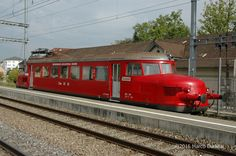 Oensingen - Balsthal Bahn (OeBB), RBe 2/4 202, Frauenfeld (TG), 15.09.2006 Swiss Railways, Rail Car, By Train, Transportation, Scenery, Train Station, Ships, Old Trains, Locomotive