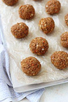 Make and Freeze Quinoa Chickpea Meatballs | vegetarian meatballs recipe + vegetarian pasta recipe | ohmyveggies.com