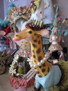 LOVE this! Painted circus animals :) sådan lidt Shane agtigt..