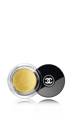 Shop now: Chanel Illusion D'ombre Long-Wear Luminous Eyeshadow in Vision