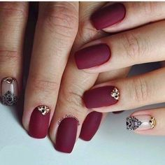 Until now, some believe that doing a manicure means cutting your nails. In fact, this is a very laborious work to create the perfect kind of nails. Maroon Nails, Burgundy Nails, Red Nails, Hair And Nails, Nail Art Design Gallery, Best Nail Art Designs, Nail Swag, Nagellack Trends, Manicure E Pedicure