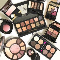 Random palettes and blushes  #flatlay #flatlays #flatlayapp www.flat-lay.com