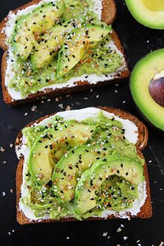 Everything Bagel Avocado Toast tastes just like an Everything Bagel. Toast is topped with cream cheese, avocado, and Everything Bagel Seasoning. You will love this easy avocado toast for breakfast, lunch, or snack time. Brunch Recipes, Breakfast Recipes, Breakfast Toast, Mexican Breakfast, Breakfast Sandwiches, Breakfast Pizza, Breakfast Bowls, Bagel Sandwich, Dessert Recipes