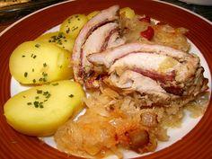 Plátky masa naklepeme, osolíme, opepříme a na každý rozetřeme jednu lžičku dijonské hořčice. Rozdělíme na ně plátky salámu, zavineme, osolíme a... Mashed Potatoes, Chicken, Meat, Ethnic Recipes, Pork, Beef, Smash Potatoes, Cubs
