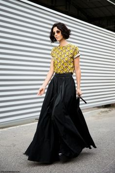 Yasmin Sewell and Irina Lazareanu show us two great ways to rock a black statement maxi skirt.--Photos via: Collage Vintage | The Color Stalker--Get the look...+ Nasty Gal Full Swing