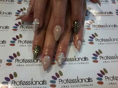 Felinas nail's