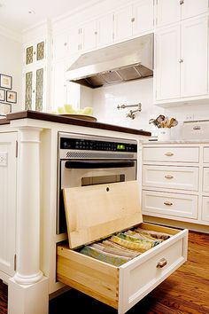 storing linens 