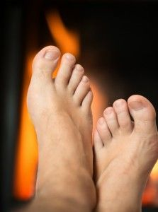 Protecting Your Feet from Burns https://queensnassaupodiatry.com/protecting-your-feet-from-burns/