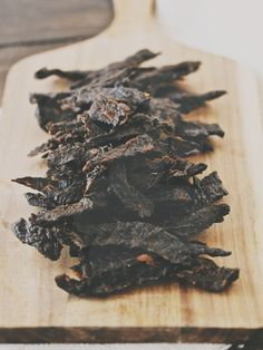 Easy Homemade Jerky for you or your pet. Slice, marinate, and dehydrate. If you dont have a dehydrator, use your oven on the lowest setting with the door wedged open. Visit Us To Know Jerky Recipes, Real Food Recipes, Dog Food Recipes, Homemade Jerky, Homemade Dog Treats, Dehydrator Dog Treats, Paleo Beef Jerky, Primal Recipes, Dog Snacks
