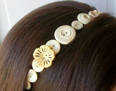 Vintage Button Headband---wish I would have kept my mom's old button collection.......actually she may still have it lol