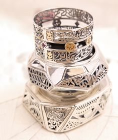 Egyptian designer: Azza Fahmy. Reminds me of my wedding ring (since lost).