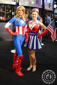 SDCC Cosplay Round-Up: Captain America crossplay - Geeks of Doom Captian America Costume, Captain America Cosplay, Comic Con Cosplay, Marvel Cosplay, Amazing Cosplay, Best Cosplay, Girl Costumes, Cosplay Costumes, Costume Ideas